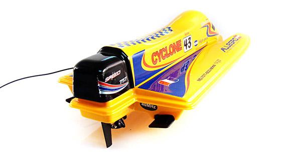 Barca Pioneer Formula F1 scara 1:25 cu radiocomanda