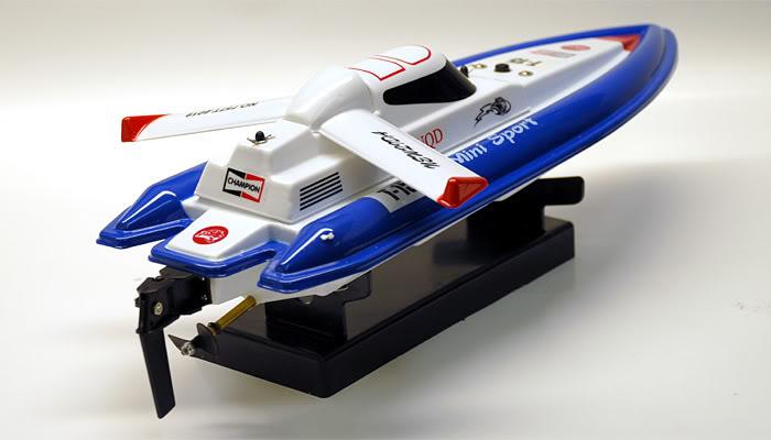 Boat Mini Tracer 1:25  with remote control